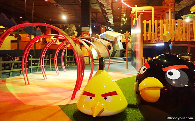 01-angry-birds-activity-park