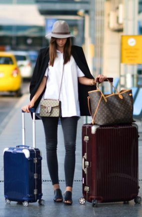 Travel-Outfits-17-e1488319175468-600x0.jpg