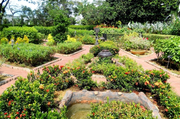 Perak-Herb-Garden-3-e1450234065318.jpg