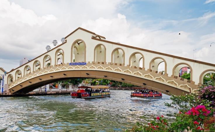 melaka-river-bridge